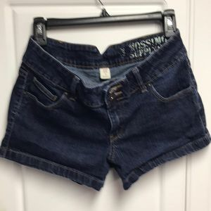 NWOT Mossimo jean shorts / size 9